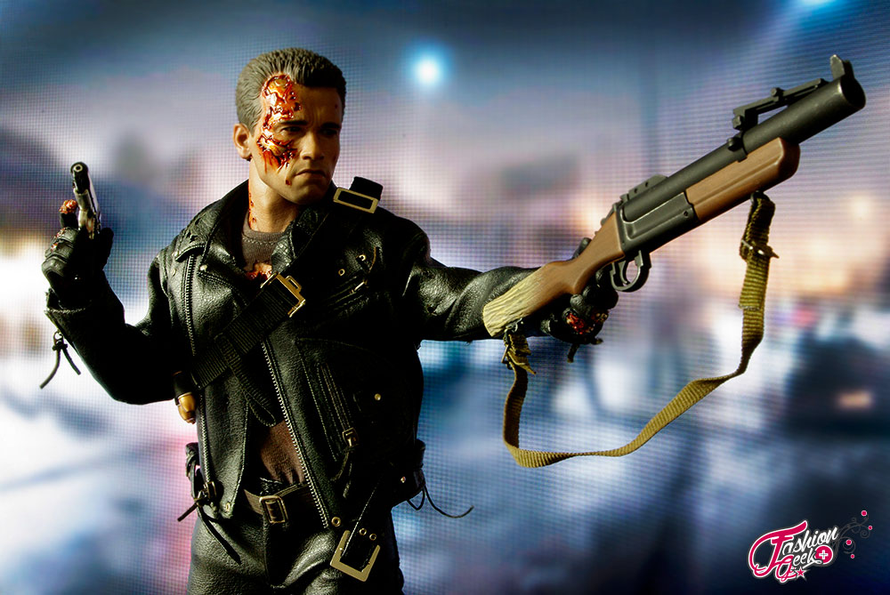 T-800-Battle-Damaged-Vers-HotToys24