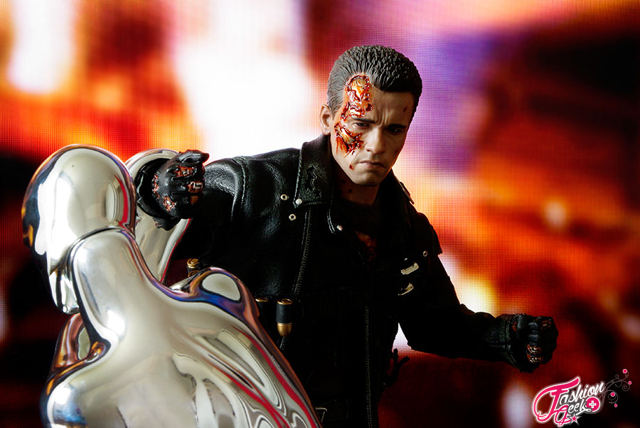 T-800-Battle-Damaged-Vers-HotToys28
