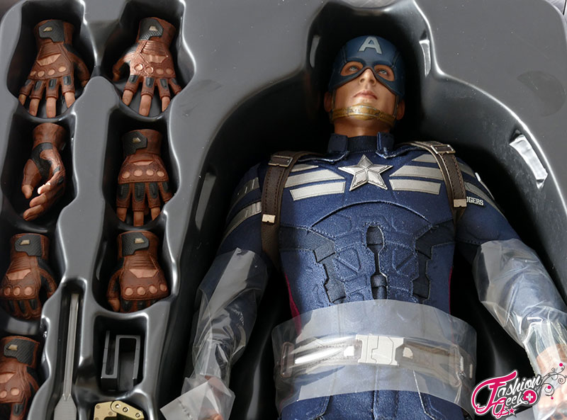Captain-America-Hottoys-Winter-34