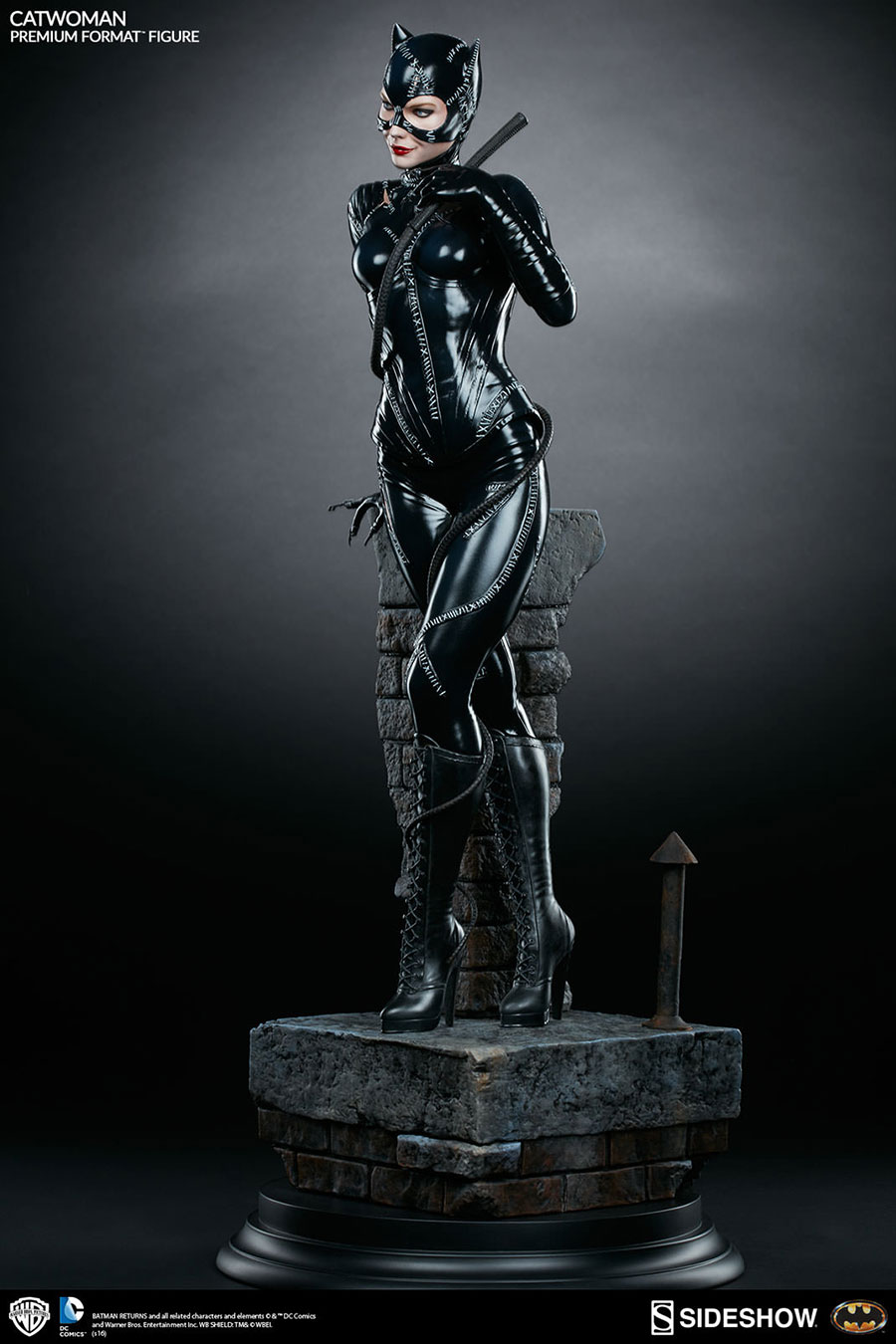 Sideshow-Catwoman-Statue-8
