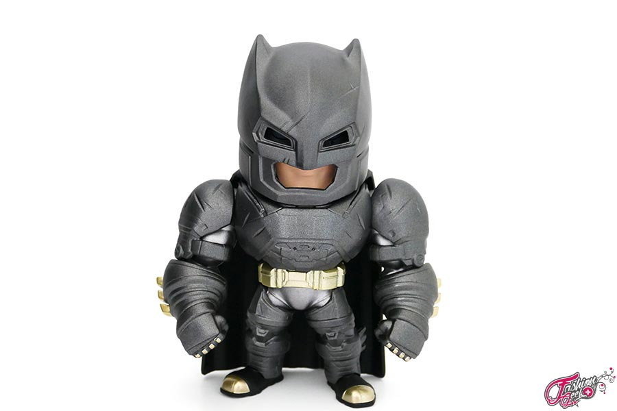 Armored-batman-Metal-Die-Cast-8