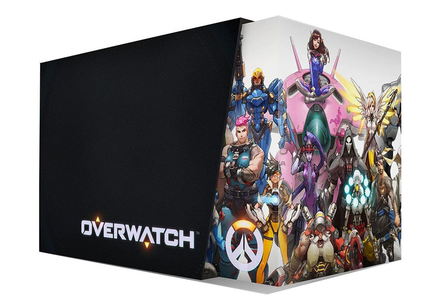 collector-Overwatch-unboxing-1