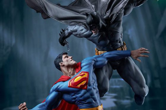 Sideshow dévoile une sublime statue de Batman vs Superman